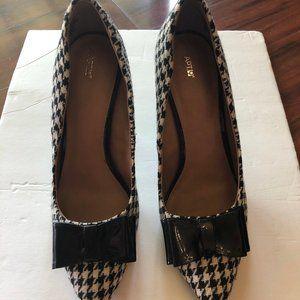 Shoes - Pump Heels